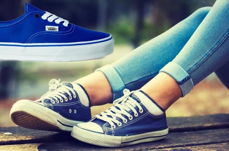 Módní dámská obuv změnila svoji DNA – místo podpatků se nosí tenisky. Obujte si boty Vans a DC. Ne však jen ke skate oblečení, ale i k fashion hadříkům.