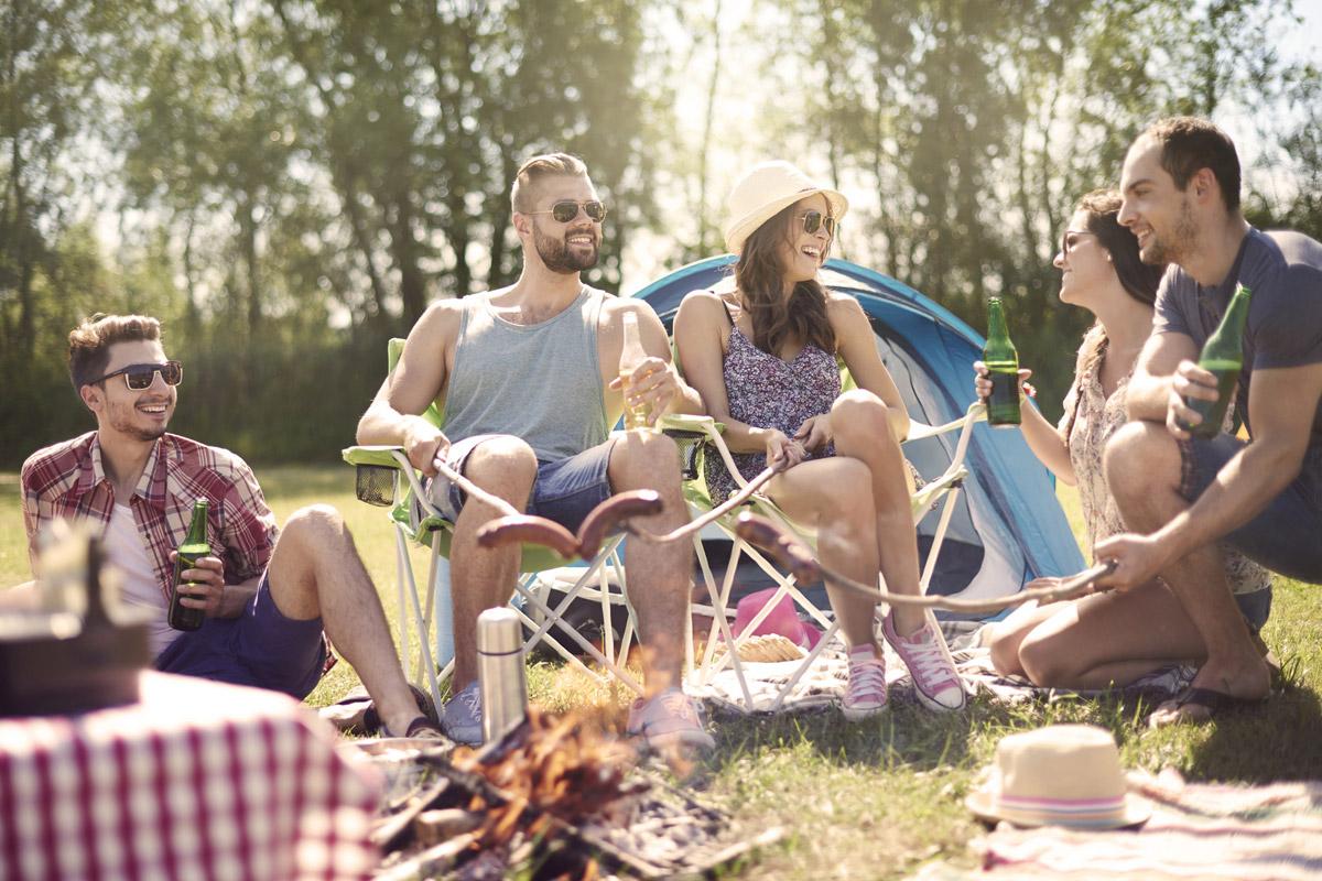 Rozmluvte se anglicky. Letošní letní dovolenou si užijte na pobytovém kurzu angličtiny v České republice a s výukou angličtiny s rodilým mluvčím. Kurzy organizuje nezisková organizace EnglishStay.