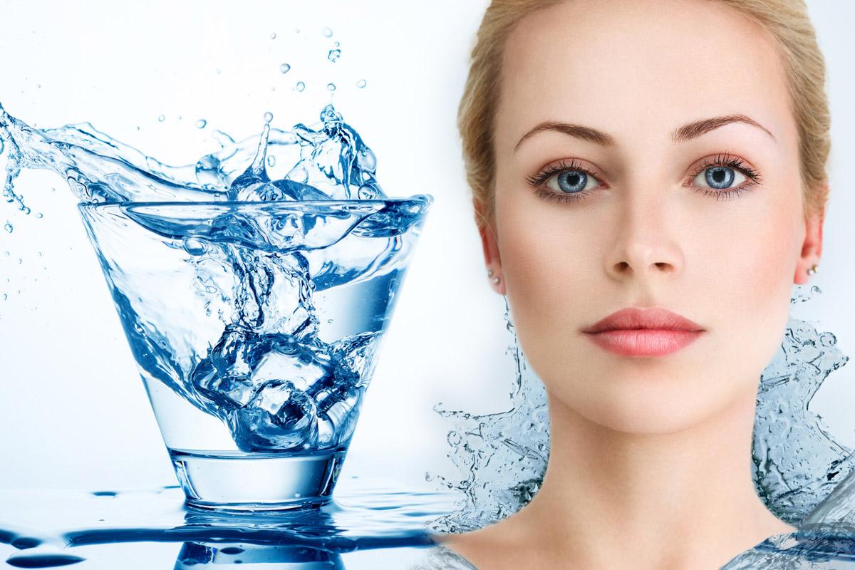 Voda ovlivňuje naše zdraví i to, jak vypadají naše vlasy nebo pleť poté, co se touto vodou myjeme.
