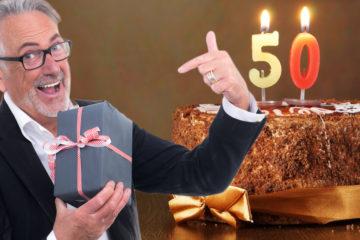 Slaví někdo z vašich blízkých, kolegů či známých padesátiny? Podívejte se, jaký dárek k 50. narozeninám udělá radost ženám a jaký mužům.