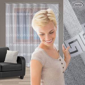 Záclony nejsou přežitkem. Chrání nás před nechtěnými pohledy okolí, zútulňují interiér i zlepšují akustiku místnosti.