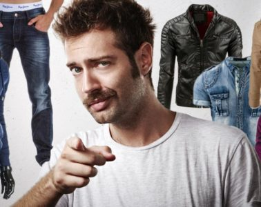 Výprodej pánského oblečení začíná. Ty nejlepší podzimní a zimní kousky ulovíte právě teď. I když je ještě léto, oplatí se myslet už i na bundy a kabáty.