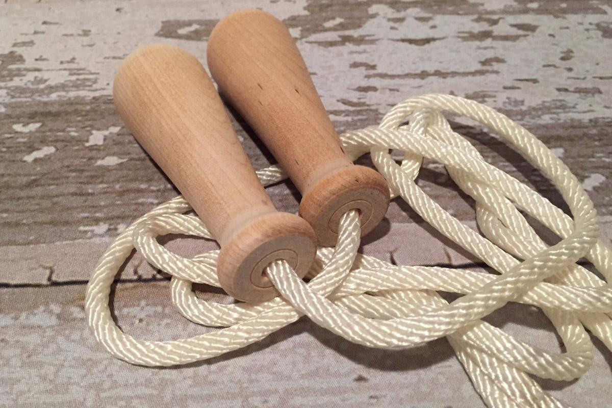 Delana vyrábí kvalitní pletená švihadla z bavlny, juty i z PA vláken.