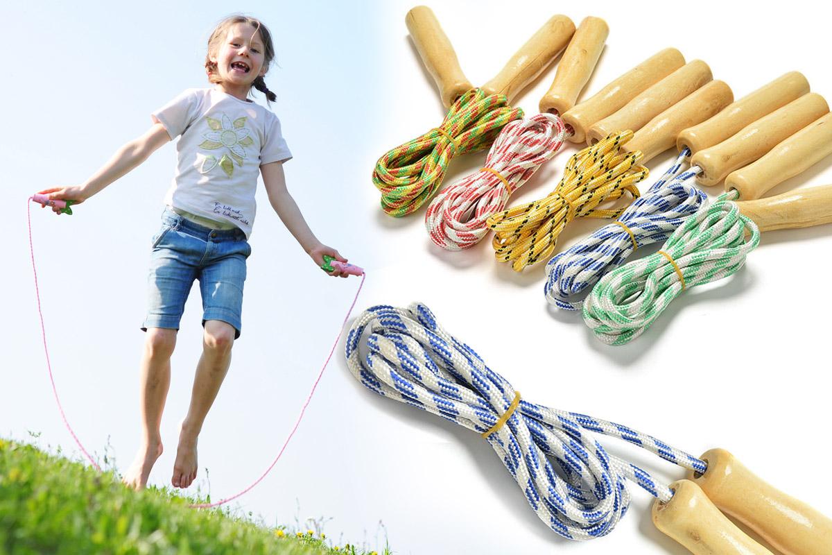 U dětí pomáhá skákání přes švihadlo s koordinací pohybů. V dospělosti je levnou pohybovou aktivitou bez nároku na finance a prostor, která vede k rychlému spalování kalorií a následně k hubnutí i k formování postavy.