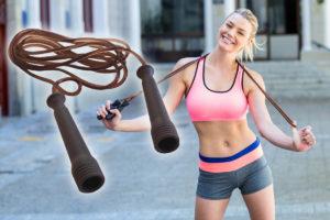 Pro redukční cvičení nepotřebujete žádné drahé stroje. Vystačíte si s obyčejným švihadlem.
