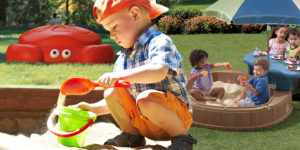 Hledáte hračku, která bude vaše dítě bavit déle než pár dnů? Pořiďte mu pískoviště s krytem. Díky krytu je písek v něm vždy hygienický.