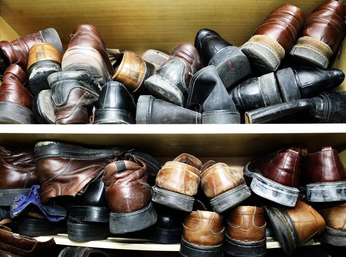 Takto určitě ne! Vaše boty si zaslouží kvalitní botník!