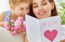 Den matek: datum, kdy byste neměli zapomenou na svoji mámu. Máme pro vás tipy na dárky ke Dni matek.