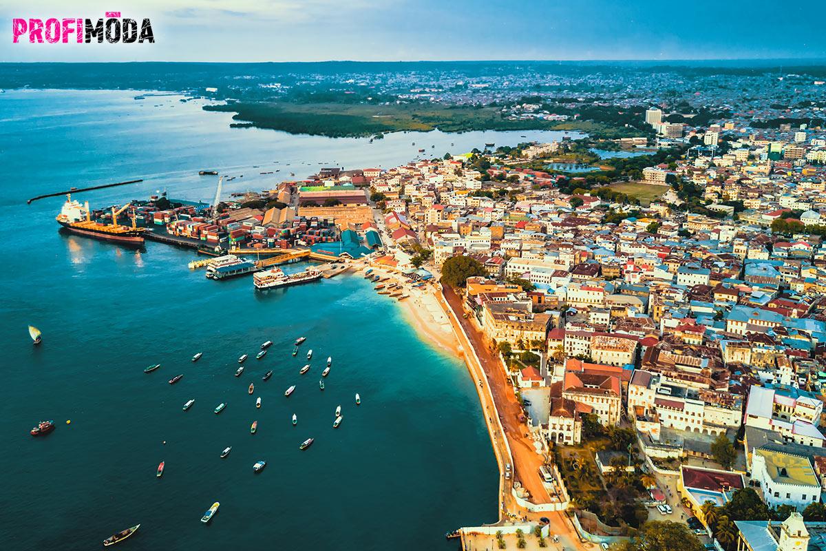 Kamenné město – Stone Town na Zanzibaru.