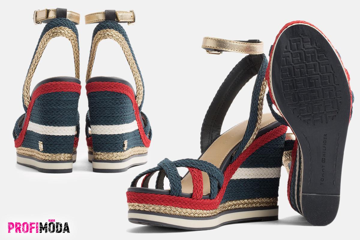 Dámské boty na klínku Tommy Hilfiger v námořnickém stylu.