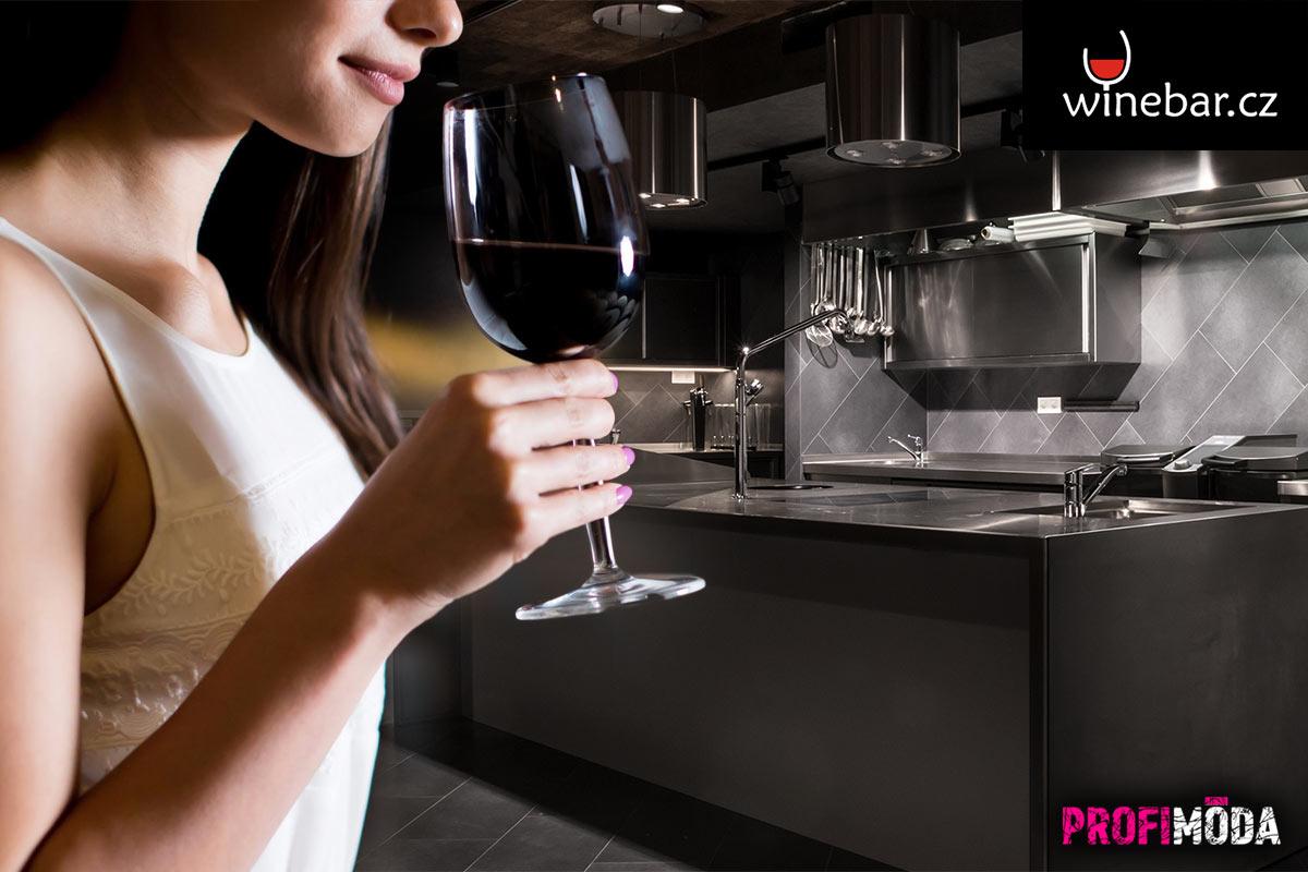 Přijďte si víno nejen užít, ale rovněž se něčemu přiučit. Rezervujte si místo na některém z degustačních večerů, které Winebar pořádá.