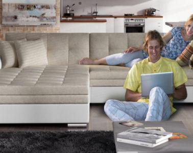 Jaké jsou nové trendy pro obývací pokoj 2019 pokud jde o sedací soupravy? Budete jim muset udělat trochu prostoru. Protože letí ty velké ve tvaru U.