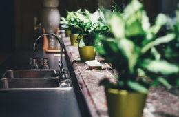 Chcete aby byl vás dřez jako nový po mnoho let? Máme pro vás rady a tipy, jak pečovat o nerezové dřezy.