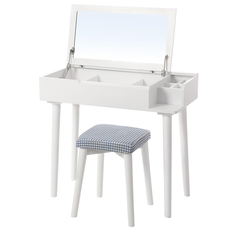 """Toaletní stolky umí být """"malé, ale šikovné""""."""