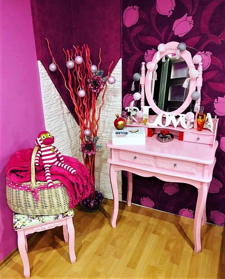 Toaletka vnese romantiku i do pokojíku vaší dcery.