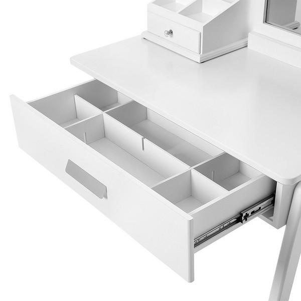 Toaletní stolky nabízí promyšlené úložné prostory.