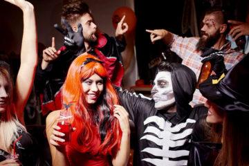 Už máte kostýmy na Halloween? Tento anglosaský svátek jsme již převzali za svůj a slavíme jej nejen vyřezávanými svítícími tykvemi, ale i večírky.