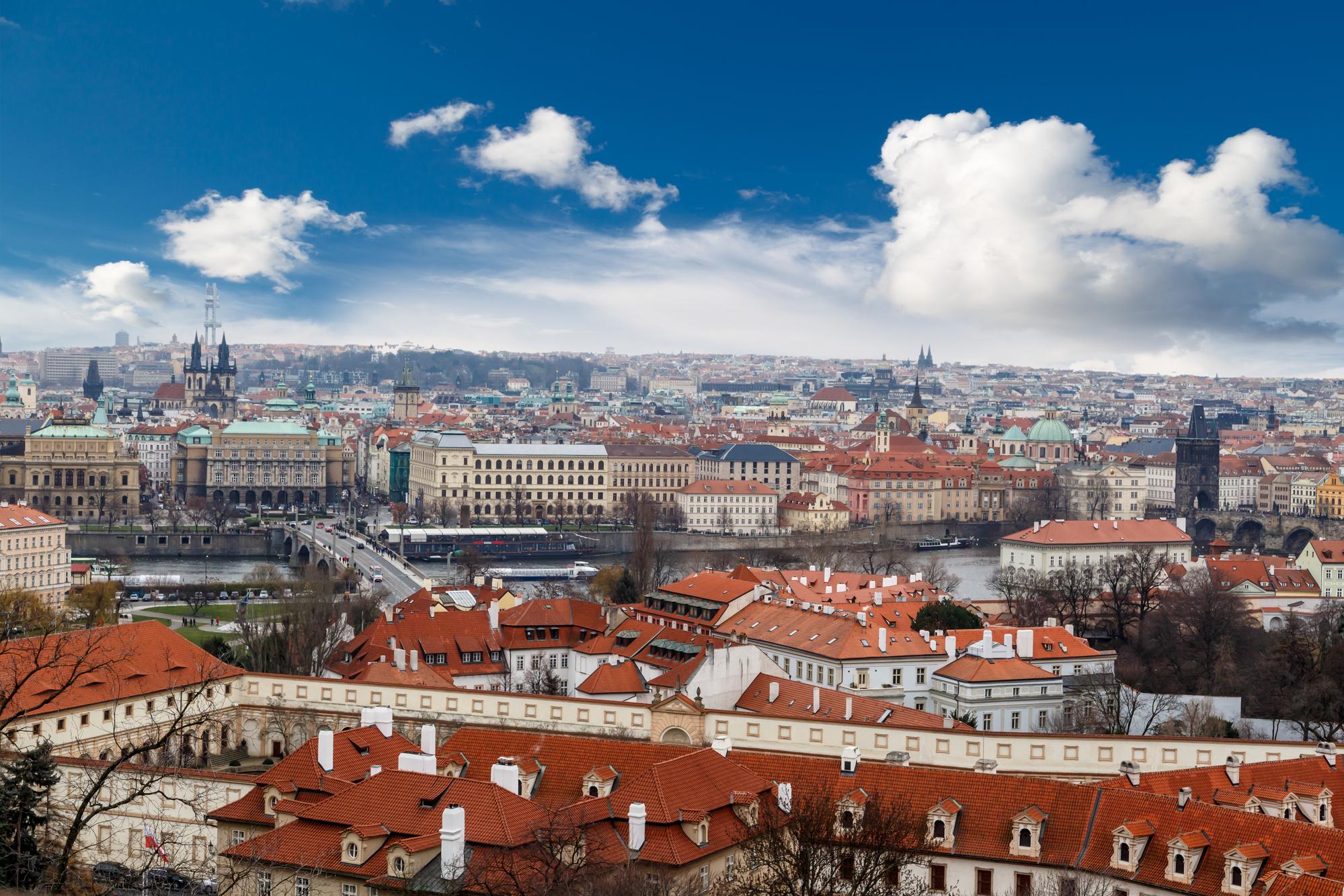 Byt v Praze je pro mnohé snem. Obvykle začínáme menším a později si s rodinou pořizujeme větší bydlení.