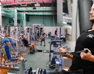 Fitcentrum Ostrava – Fit Park je připraveno na profíky, amatéry i ty, kteří chtějí s cvičením pouze začít. Klienti sem chodí hubnout, zlepšovat svoji kondici, nabírat svalovou hmotu i trénovat na soutěže.